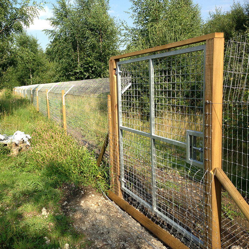 Otter fence with gate