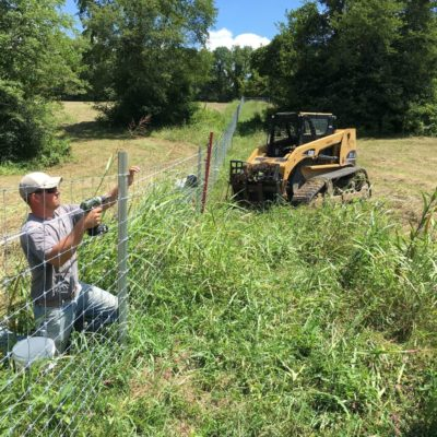 USA fence contractor installing fence
